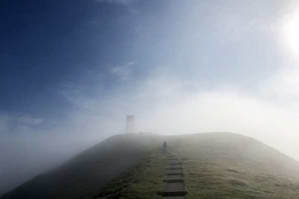 glastonbury-tor-mist